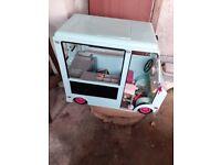 Sweet shop Ice Cream van with pieces