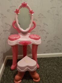 Girls toy dress up table