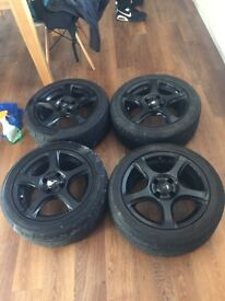 4 Black 15x6j alloy wheels and tyres