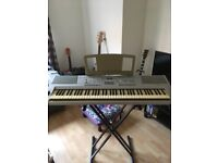 Yamaha DGX-205 Electric Keyboard