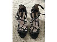 Ladies shoes size 4 black