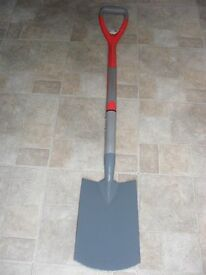 HEAVY DUTY GARDEN SPADE, NEW NEVER USED, CARBON STEEL, ERGONOMIC DESIGN WITH SOFT GRIP HANDLE