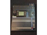 Yamaha O1V96 v2 mixing desk