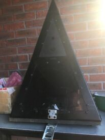 Poly carbonate pyramid