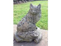 CUTE VINTAGE WELL WEATHERED CONCRETE CAT ORNAMENT/STATUE