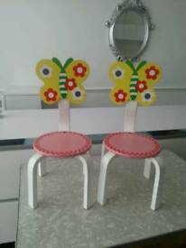 Children's chair's