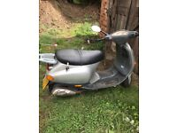 Piaggio Vespa mint condition no faults tax mot 2019 6400 miles logbook 2keys And manual
