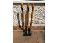 Slazenger Cricket Wooden Spring Return Stumps with Bails and metal base Wickets.