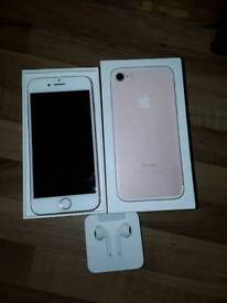 Rose gold IPhone 7 32g excellent condition with box
