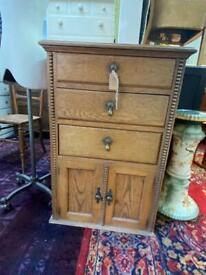 Antique Heavy Oak Cupboard - Retro / Vintage