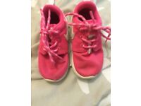 Girls infant nike trainers size 5.5