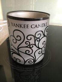 Yankee Candle Scroll Electric Wax Melt Warmer with 25 Wax Melts