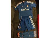 Boys adidas Real Madrid football kit age 9-10