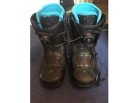 K2 Women's Snowboarding Boots size 5.5