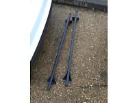 Ford Focus roof bars and fittings