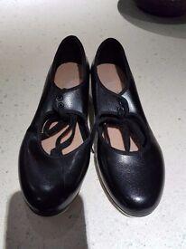 Bloch tap shoes