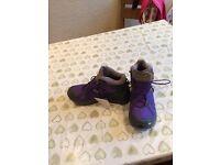Quechua size 5.5 walking boots