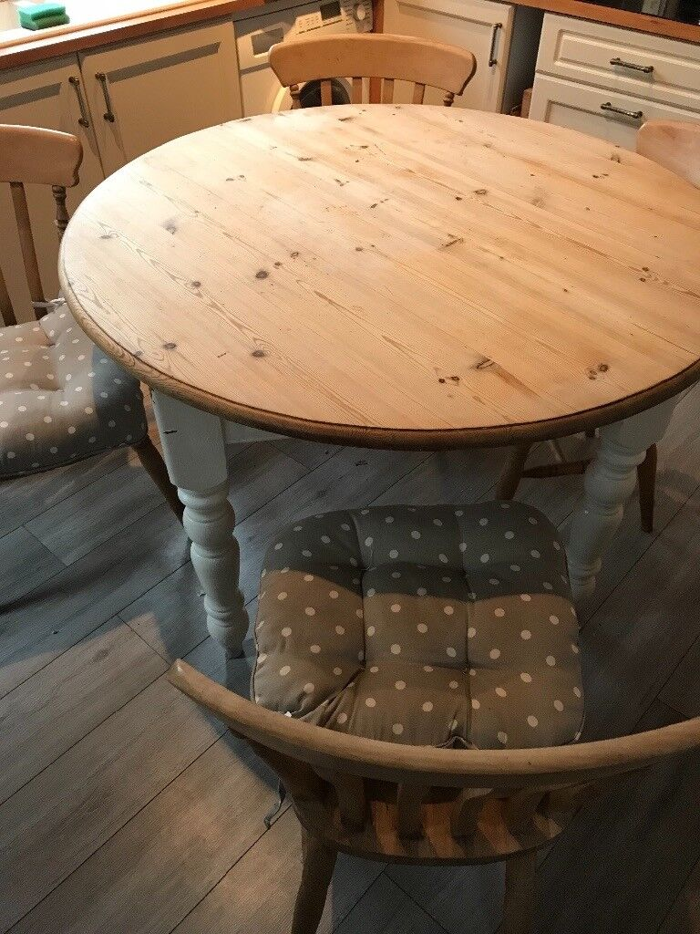 Solid pine round dining table & 4 chairs