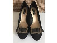 Ladies shoes principles size 5