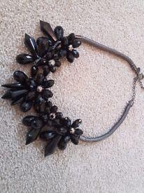 Ladies Black Coast Necklace