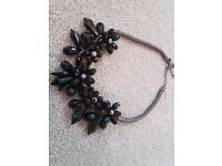 Ladies Black Coast Necklace