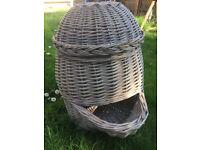 Large basket with lid - kitchen basket