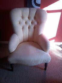 Antique cream botique chair