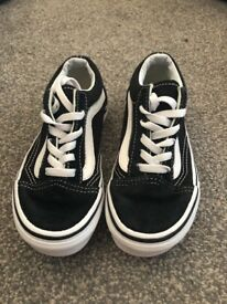 Children's black unisex vans size 12