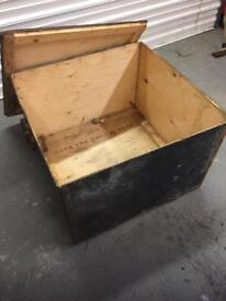 Large wooden packing case x army £10