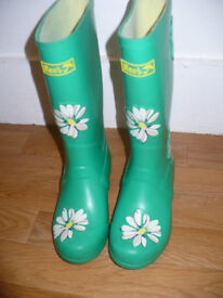 Next Girls Boots/ Wellies size 13 (EU 32). Very good condition!