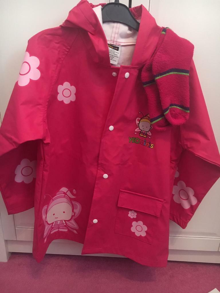 Girls raincoat age 5-7 years
