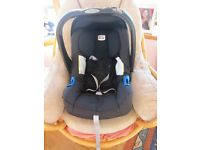 Britax Baby Safe Plus Car seat and Isofix unit