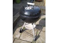 Weber 47cm kettle barbeque