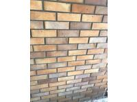 Bricklaying squads and single bricklayers required