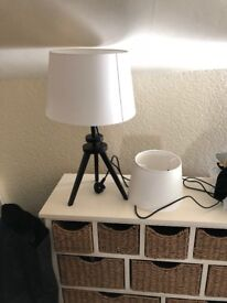 Table Lamp Comes with led bulb and extra shade