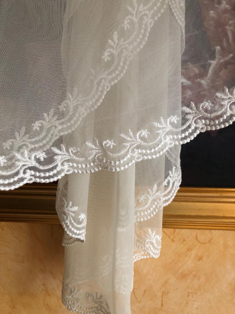 Beautiful Ivory Wedding Veil For Sale (Monsoon)