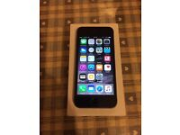 Apple iPhone 5s 16gb Space grey on O2 boxed excellent condition