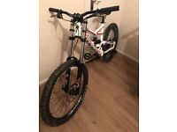 Specialized Status 2 Downhill Bike Trek Norco Nukeproof Giant Kona