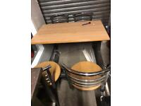 Table n chair