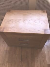 Oak side unit with drawers