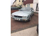Jaguar XJ8 V8 - low mileage - full service history - mot'd and taxed - mint condition
