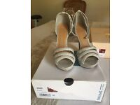 Sparkly silver heels size 5