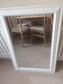 Beautiful white mirror £25 ono