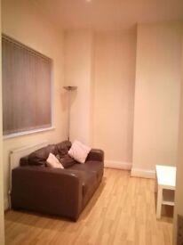 Double bed to Let £675pcm, city centre Birmingham