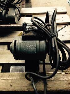 Grinder, Dumore tool post , mod. 5021, sn. 8072 6027, voltage 115, amps 5.6,