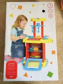 Play kitchen NEW