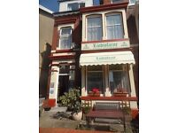 Blackpool Holiday Apartment (5) Sleeps 6 People. South Shore Near To Pleasure Beach.