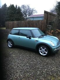 Mini Cooper 1.5 - metallic green
