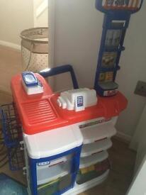 Shopping play set with trolley