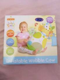 Inflatable wobble cow toy